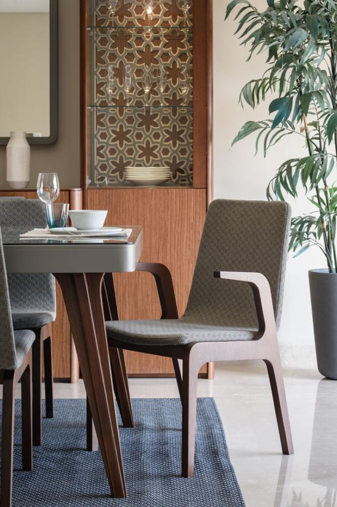 Andaluis dining chair w/ arms