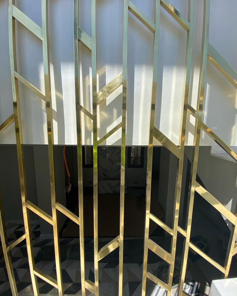 Stair Case Partition