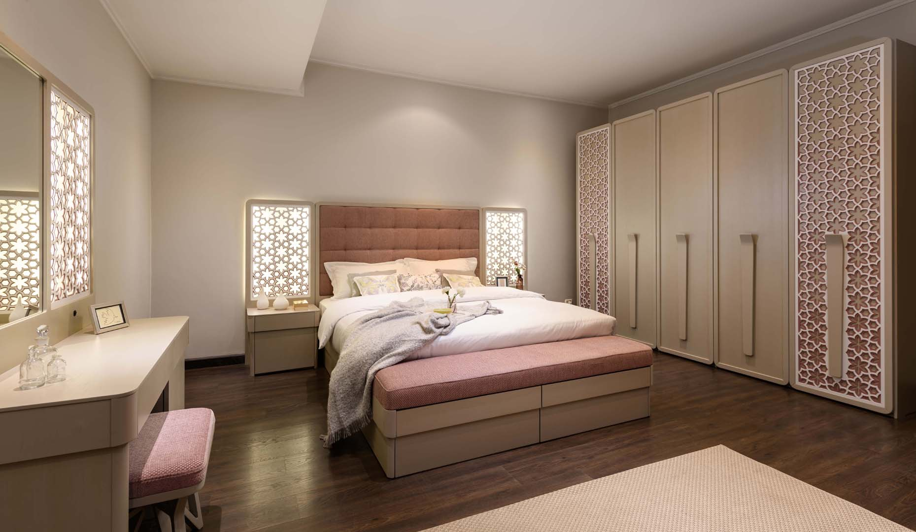 Andalusia master bed 180