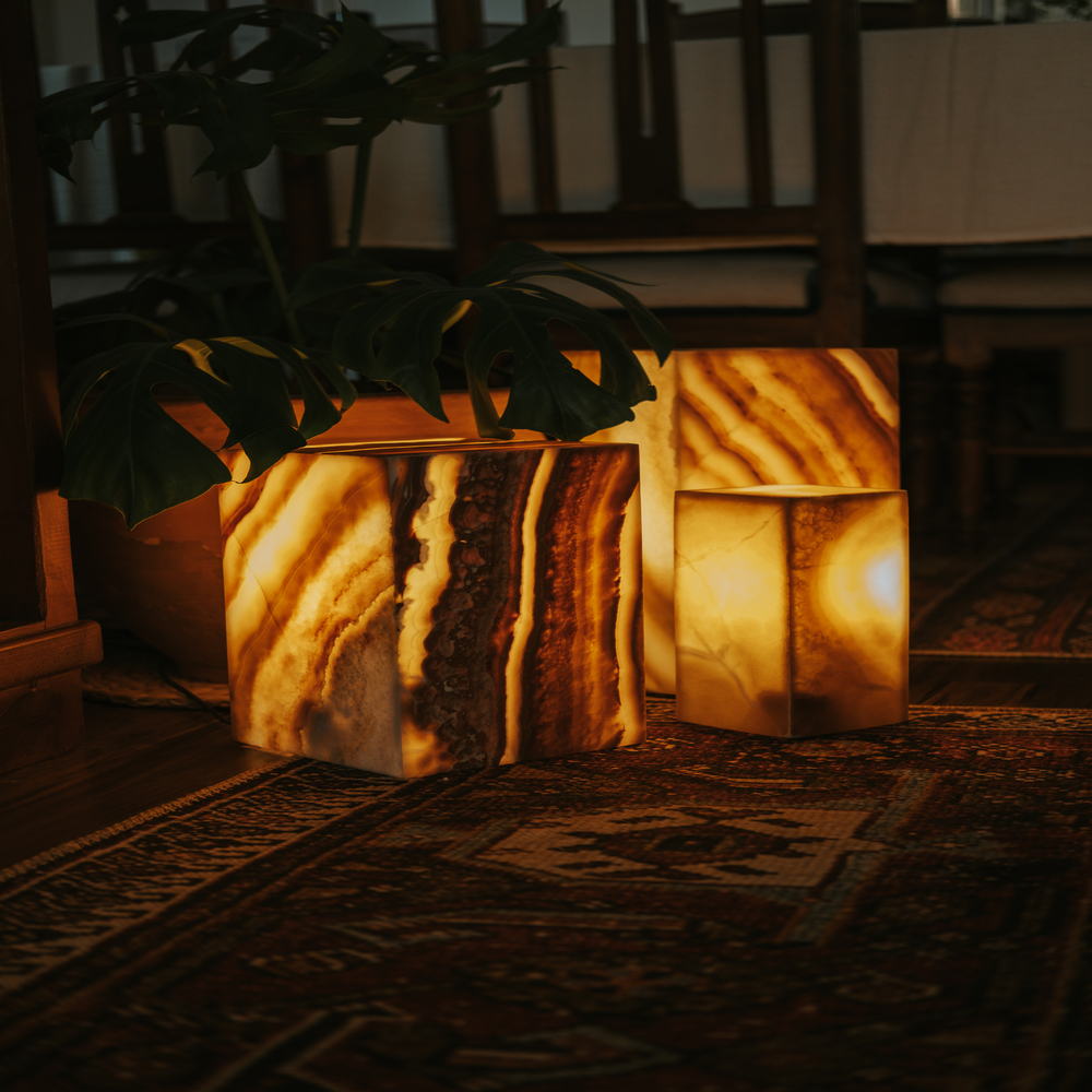 Egyption Onyx Lamp - closed top